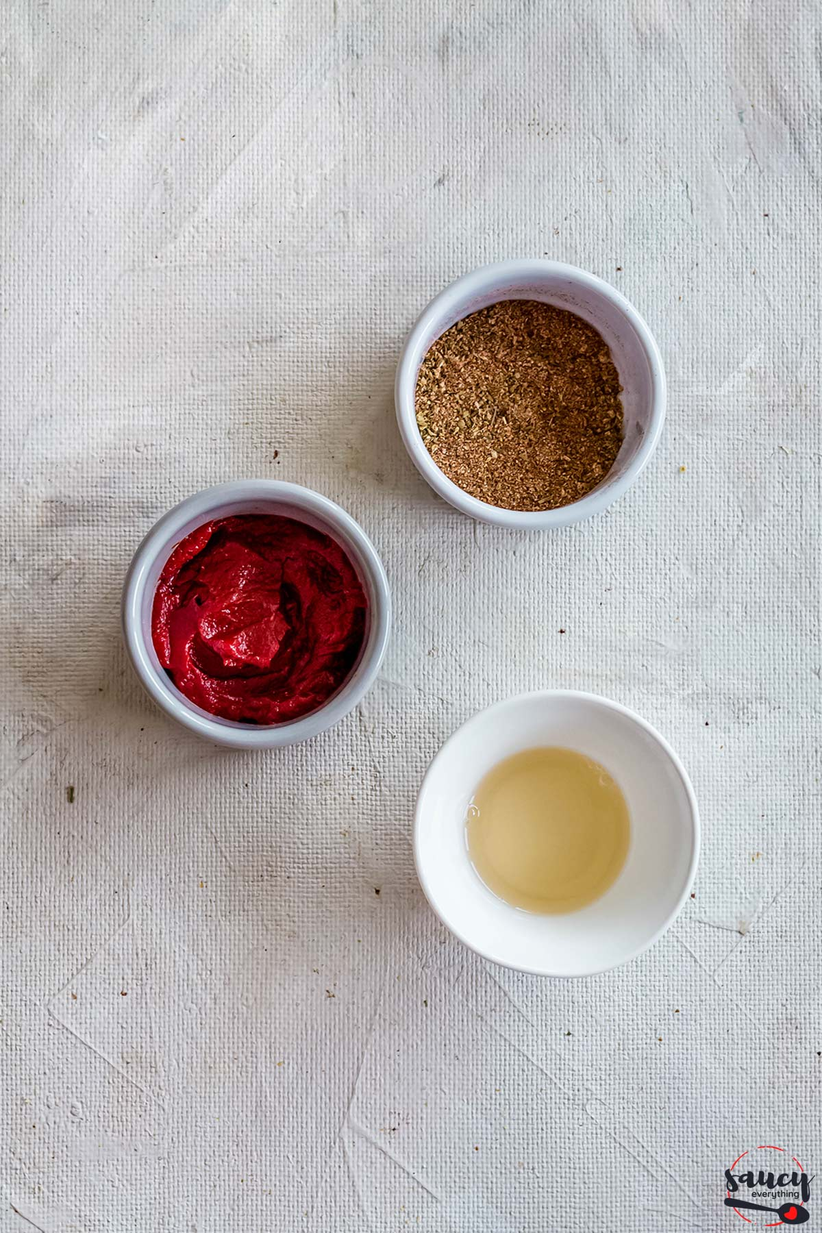 ingredients for meatloaf glaze in bowls